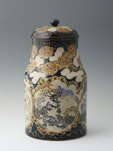 2: 丹山青海《色絵龍文蓋付壺》高34cm、明治前期、個人蔵